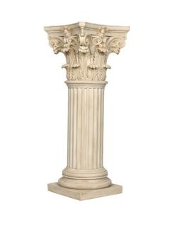 Columna decorativa con capitel corintio