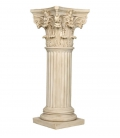Decorative column with Corinthian capitel