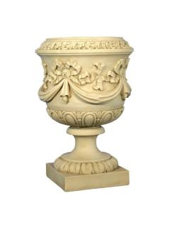 Vase décoré de guirlandes