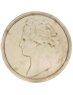 Médaillon visage de femme cheveux au vent