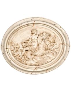 Medallón mujer desnuda montada en caballitos de mar