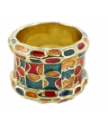 Ring with partitioned decoration