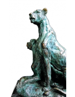 Dos leonas, dos hermanas por Miguel Fernando López (Milo)