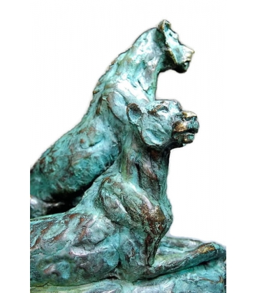 Two lionesses, two sisters by Miguel Fernando López (Milo)