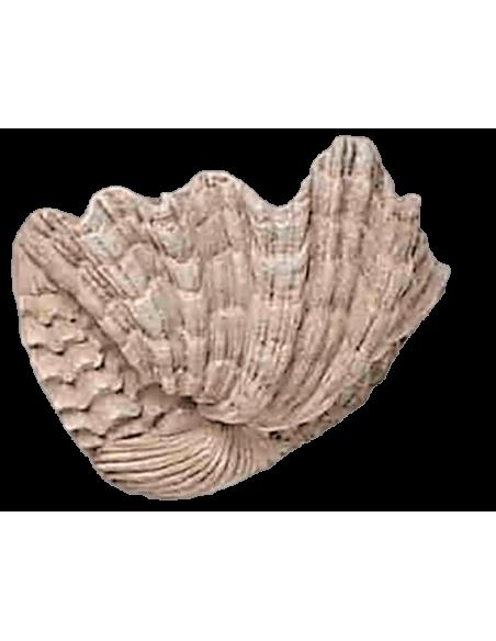 Vasque d'angle en forme de coquillage géant ou bénitier