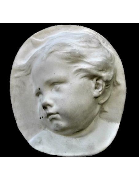 Cara de niño de perfil, lado izquierdo, estilo barroco holandés.