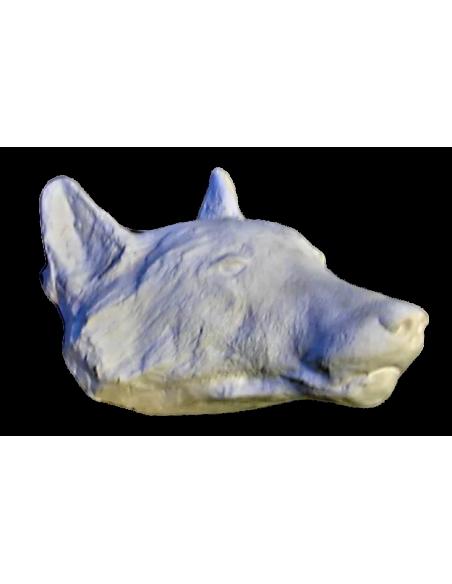 Cabeza de lobo moldeada a partir de un original