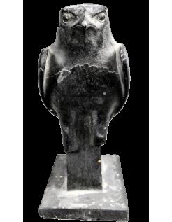 Estatua de Horus, el dios halcón egipcio