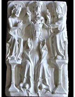 Bajorrelieve de la Coronación de la Virgen María