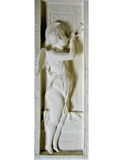 Bajorrelieve ángel tocando la flauta doble