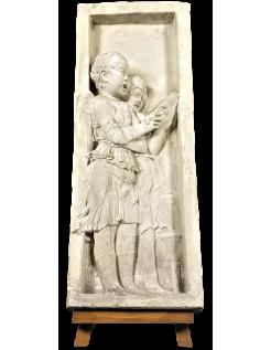 Bajo relieve ángeles cantando versos de la Biblia - lado izquierdo