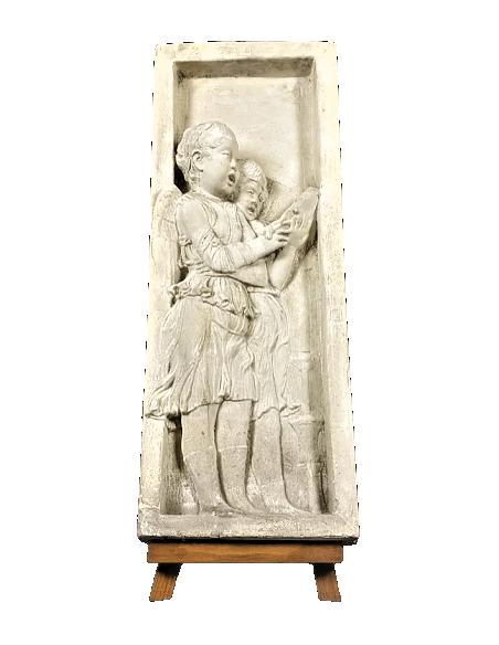 Bas relief anges chantant les versets de la Bible - côté gauche