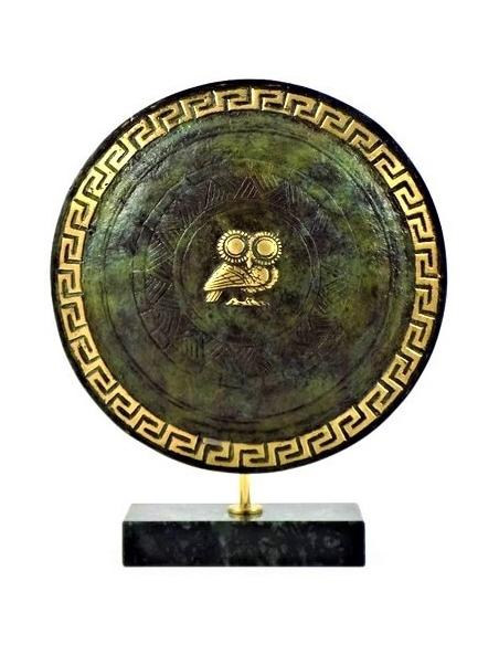 Bouclier athénien de la Grèce antique (avec le symbole de la déesse Athéna)