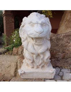 Cabeza de león en piedra reconstituida