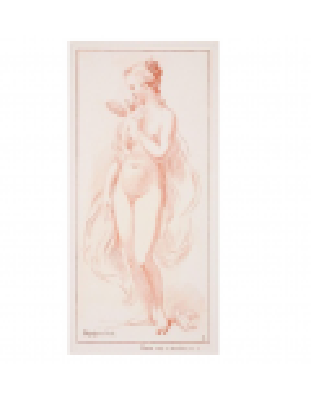 Una mujer desnuda de pie con una paloma en el hombro